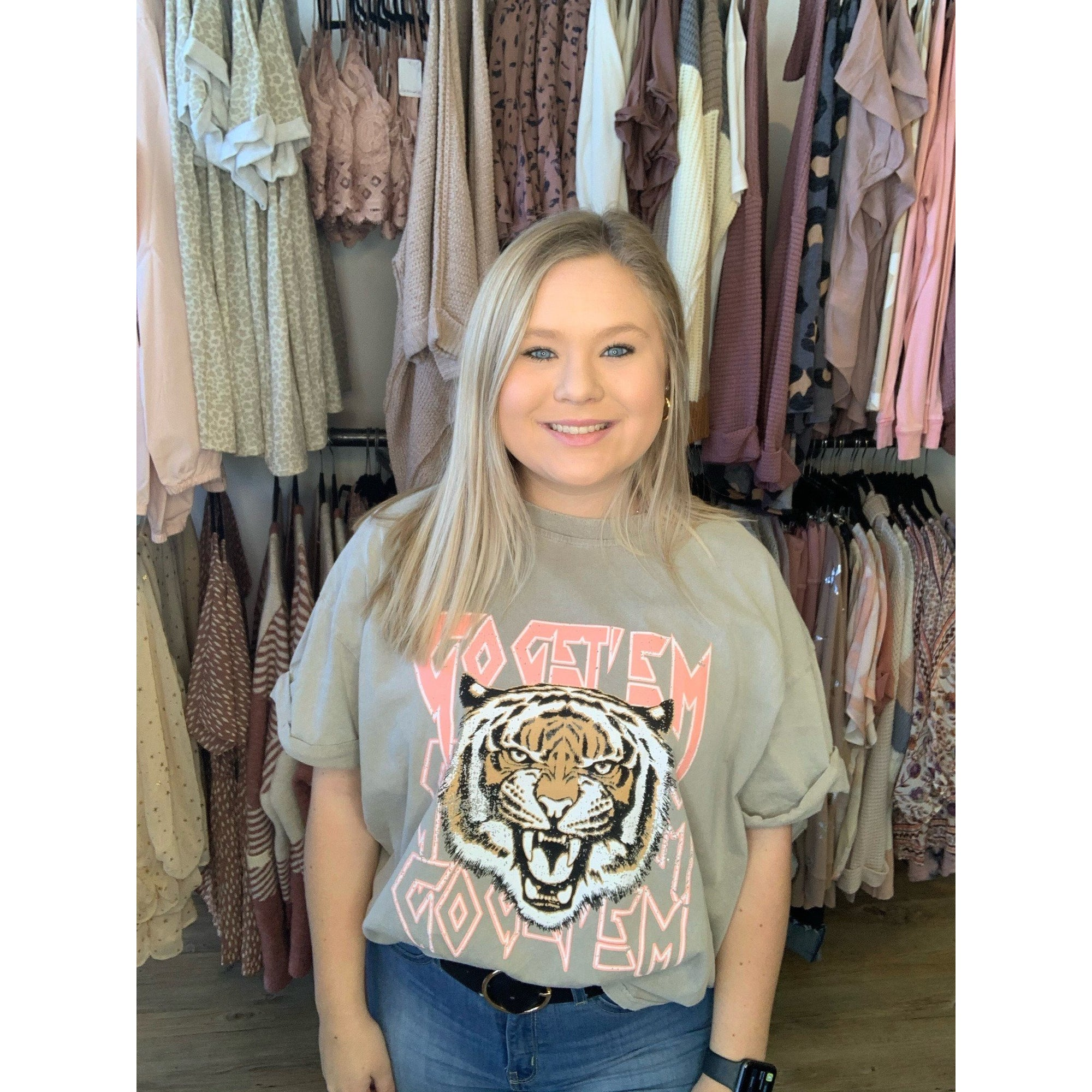 Go Get Em Tiger graphic Top 7406