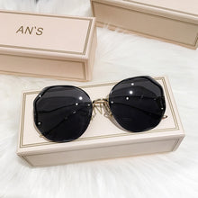 Load image into Gallery viewer, 2020 New Women Sunglasses Rimless UV400 Brand Designer High Quality Gradient Sun Glasses Female oculos With Box