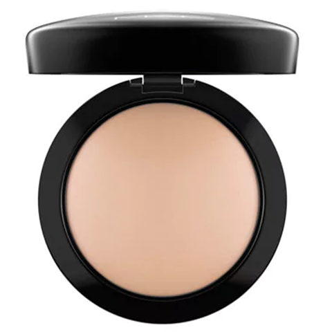 MAC Next to Nothing Powder - Medium