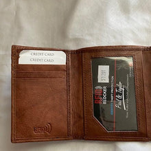 Load image into Gallery viewer, Paul & Taylor RFID Bi Fold Trifold Leather wallet 51201