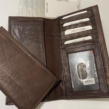 Load image into Gallery viewer, Paul & Taylor Checkbook Style Wallet 1031