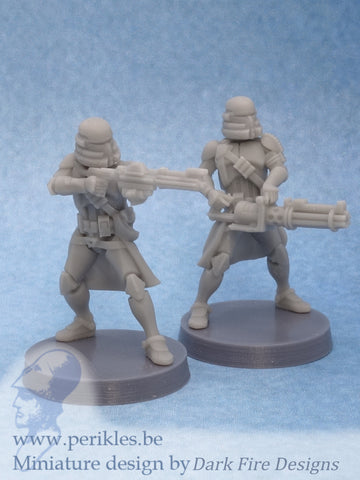 Airborne Specialists (2x 35mm wargaming miniatures)
