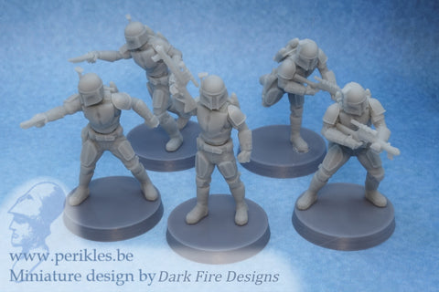 Multipart Blackwatch Squad (5x 35mm wargaming miniatures)