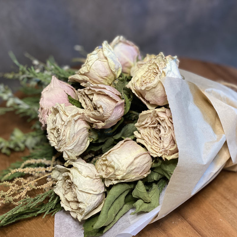 Posy Plus Dried Rose Bunch