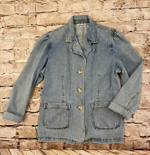 Vintage Newport Jeans lightwash jean jacket with gathered shoulders, two front pockets, and back fitted detail.  So chic.