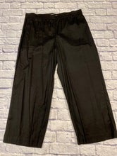 Load image into Gallery viewer, Gundrun black linen pants with elastic waistband and two side pockets.  Wide leg hems.  Like new!