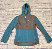 Load image into Gallery viewer, Free Country active fleece jacket in teal and grey.  Zip up front, two side zip pockets as well as top zip pocket.  Hooded.