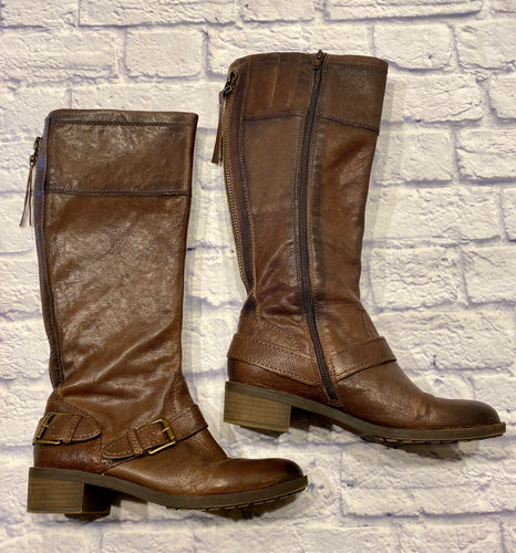 Naturalizer brown leather riding boots.  Zip side closure and zip back decoration.  Buckle across front.  Beautiful, like new!
