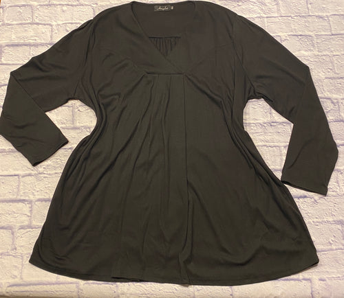 Amzplus black long sleeve blouse with v neckline.  Pretty pleating in back with nice drape.  Thicker cotton blend.  Like new.