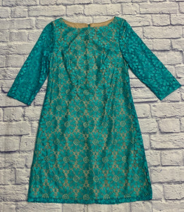 Jessica Howard beautiful turquoise crochet dress with tan underlining.  3/4 sleeve shift dress.  Zip back closure.  New without tags.  Very pretty!