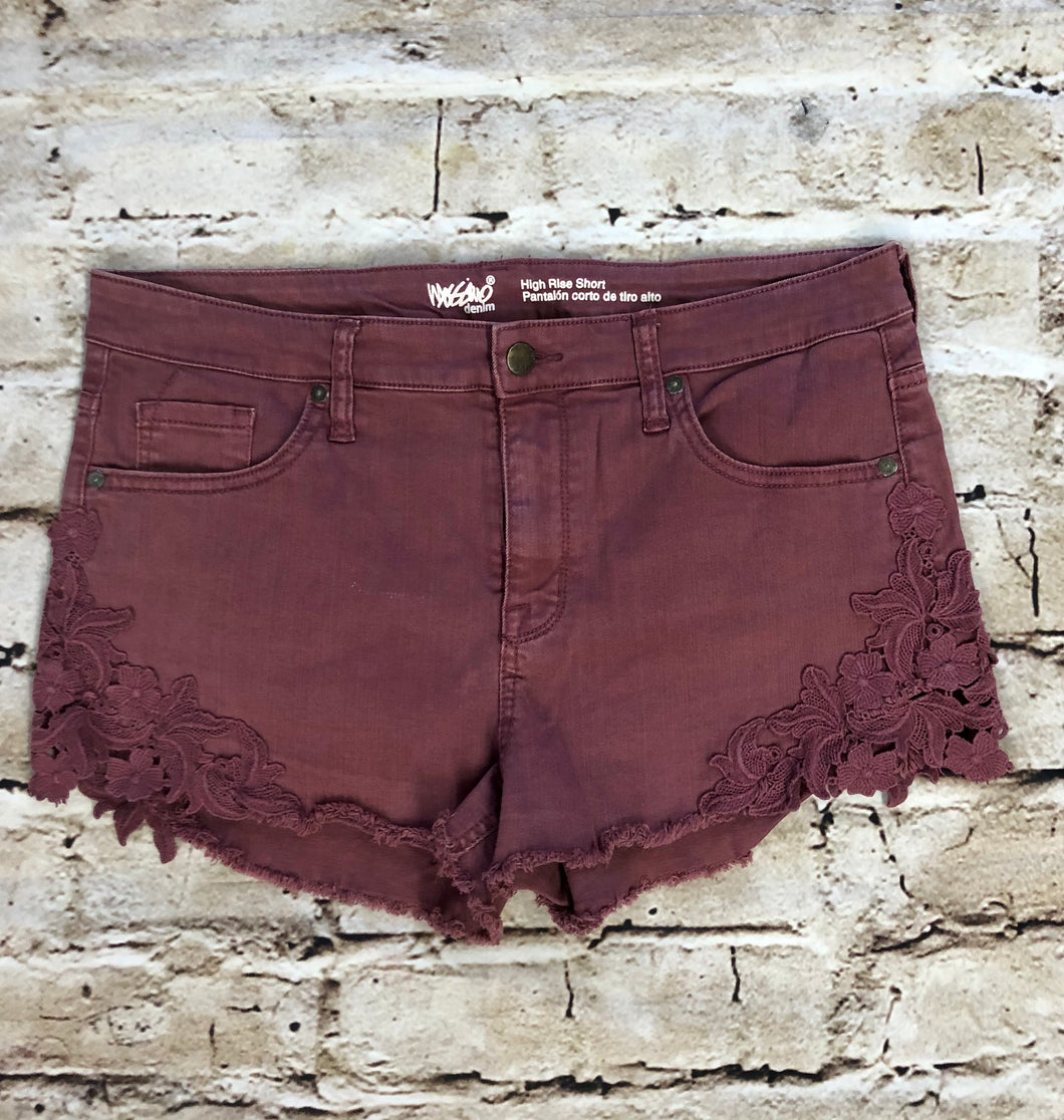 Mossimo short shorts in mauve with lace leg design.