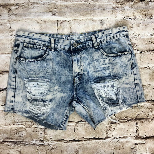 Trillnation acid wash denim shorts with frayed front and back pockets, blue and white star exposed pocket lining design.
