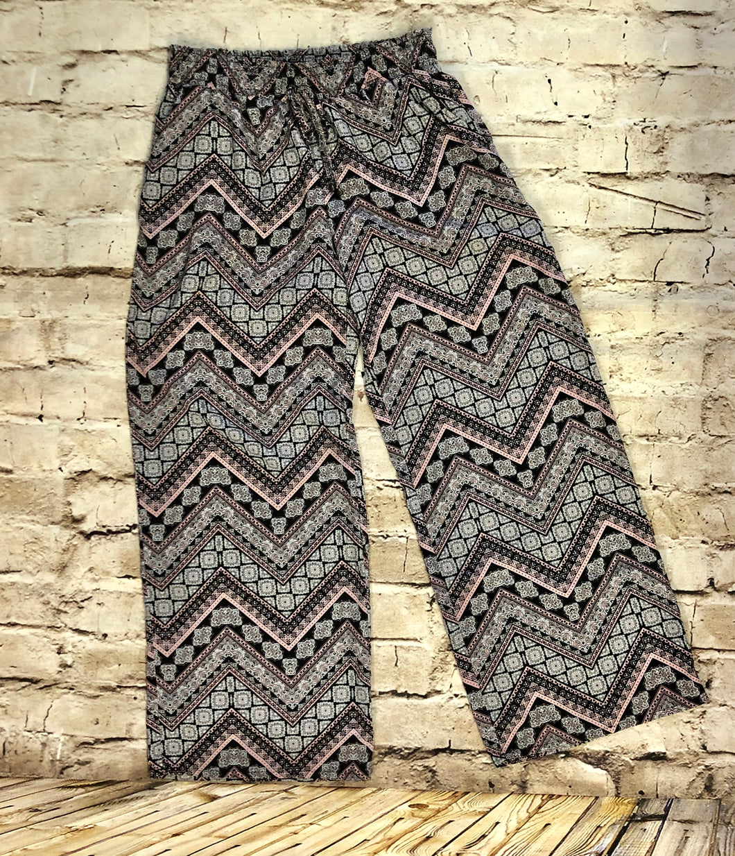 Joe B pink and black chevron patterned boho lightweight pants with elastic and drawstring waist.