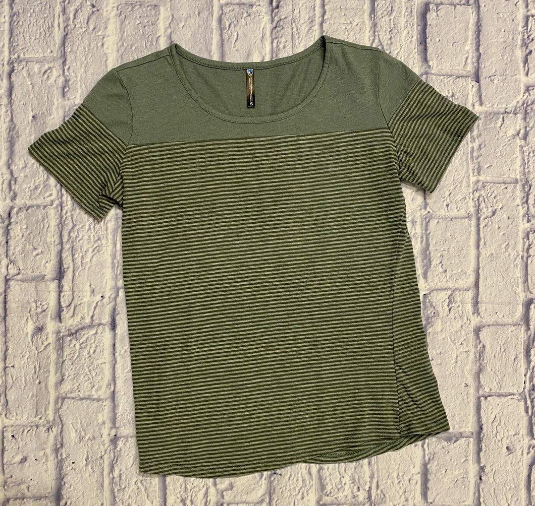 Kuhl olive green striped fitted t-shirt.  Scoop neck, high performance.
