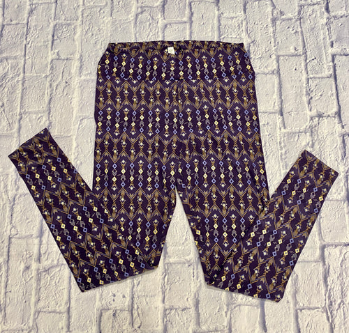 Lularoe tall and curvy leggings.  Fits sizes 14-22.  Dark purple with yellow and light purple arrow pattern.