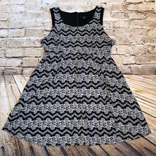 Load image into Gallery viewer, Torrid black and white casual dress with floral and chevron design.