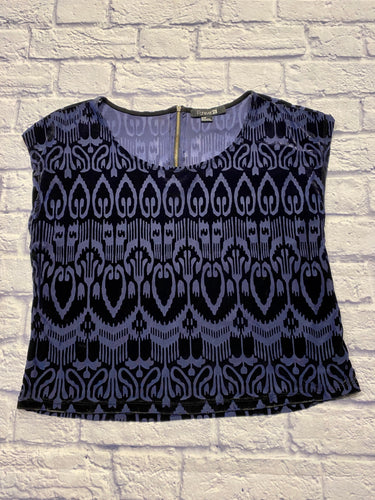 Forever 21 blue and black velvet burnout top with exposed back 1/4 zipper in gold and cap sleeves.