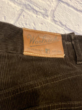 Load image into Gallery viewer, Woolrich Corduroy Pants