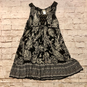 Forbidden black and white crepe swing dress with paisley pattern and bronze stud front detail.