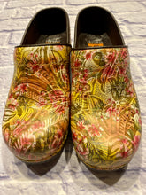 Load image into Gallery viewer, Dansko Floral Clogs