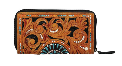 This wallet is purely handcrafted and hand-painted. This a handrcrafted masterpiece that will never go out of fashion because of its classic leather construct. You can keep your belongings secure and organized with the multiple credit card slots and zippered closure.