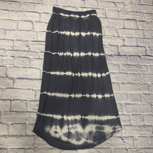 Victoria Secret black and white tie-dye ribbed knit maxi skirt.  Elastic waistband.  Very soft and stretchy.