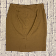 Load image into Gallery viewer, Banana Republic Fitted Skirt
