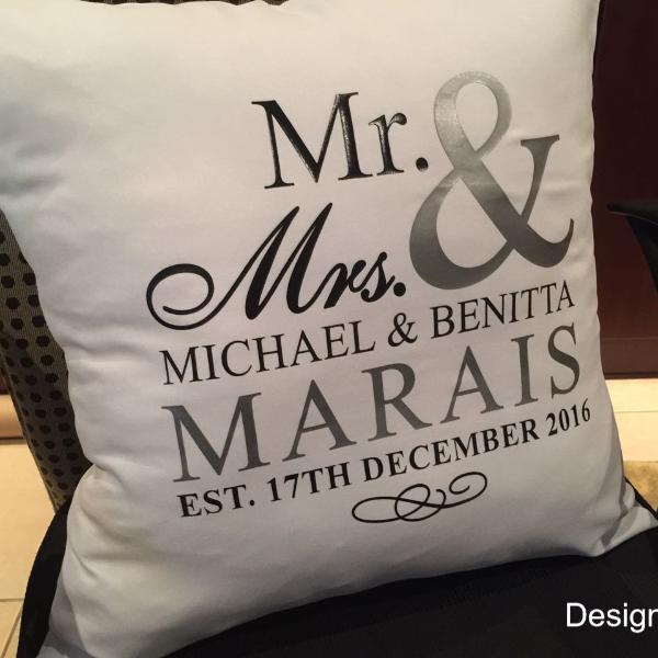 GM - Custom made printed cushion - Design A