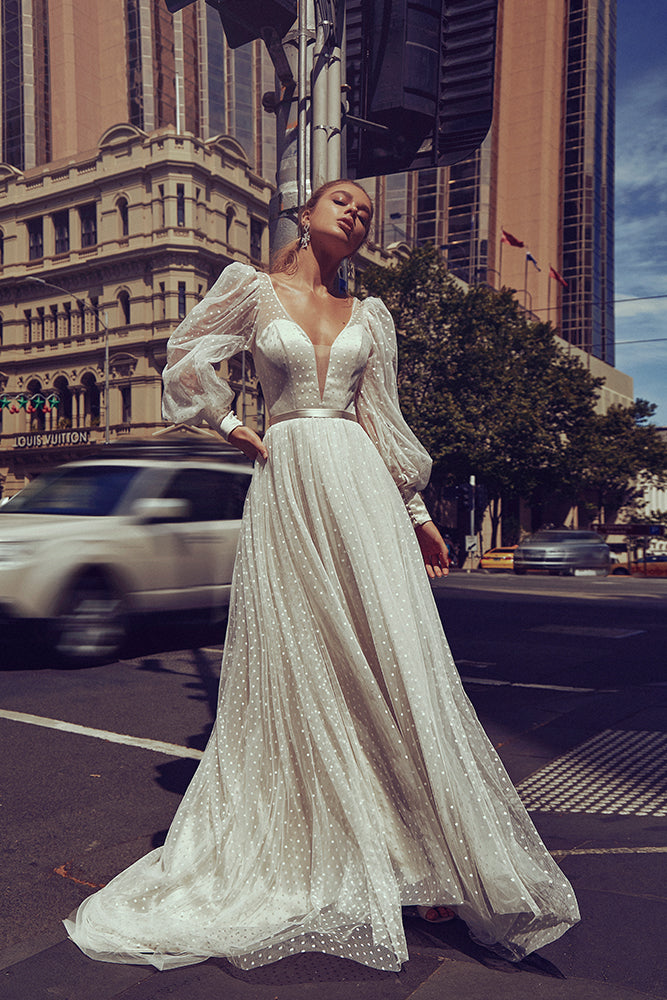 Luxurious A-line wedding dresses