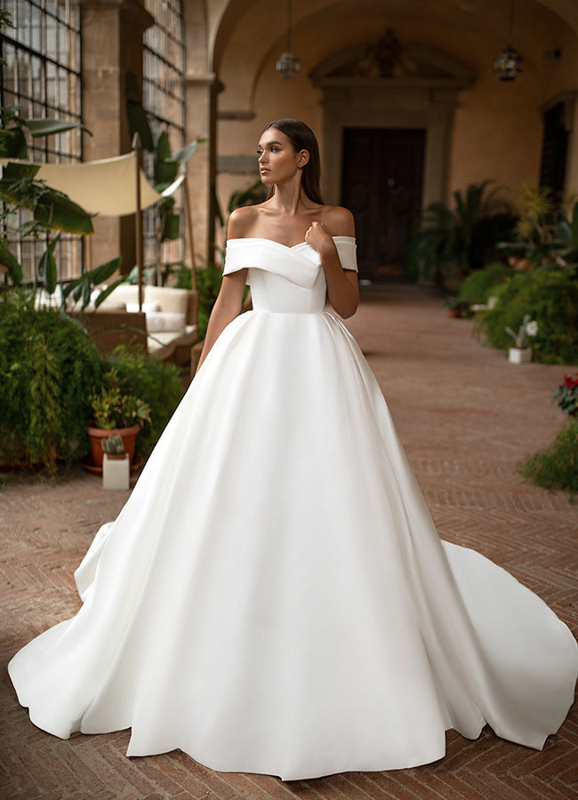 Stunning ballgown style wedding dresses that will leave a lasting impression