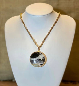 """Ash"" - Black and White Agate on Brass Chain - Yaya Accessories"