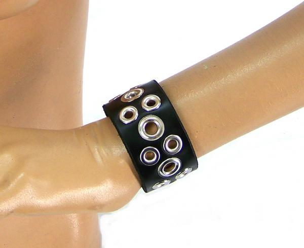 Wide Tentacle Leather Wristband (Small) Axovus centerpoint-fashion.myshopify.com