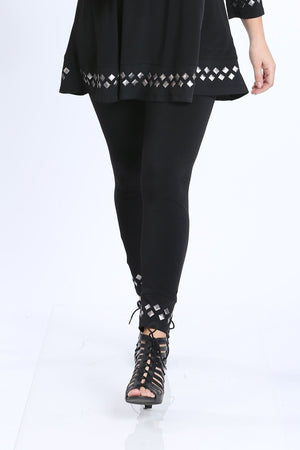 Plus Size Studded Legging