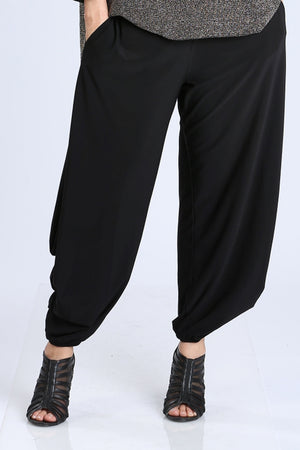 Side Pleats Detailed Wide Leg Pants