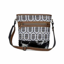 Load image into Gallery viewer, 3358 Myra Radial Shoulder Bag