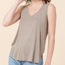 Load image into Gallery viewer, V-Neck Curved Hem Tank