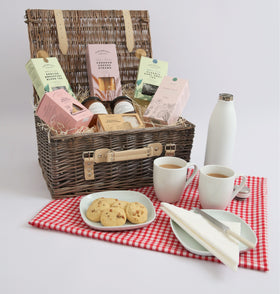 The Perfect Picnic Hamper - Best British Produce