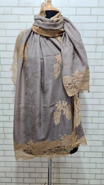 Woolen Stole (Lace with shiny Suraksi design)