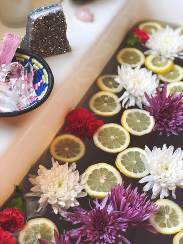 Ritual Bath for Connecting to Your Intuition by WomanShopsWorld