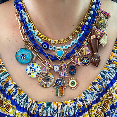 girl.with.a.diamond.earring on How to Style a Neckmess, by WomanShopsWorld