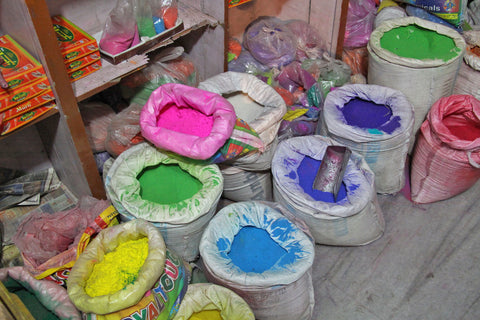 Gulal Powders in Jaipur, photo taken by Carter Seibels, WomanShopsWorld