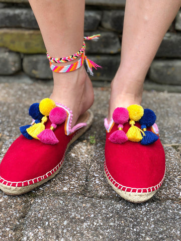 DIY Pom Pom Slide Shoes by The Neon Tea Party