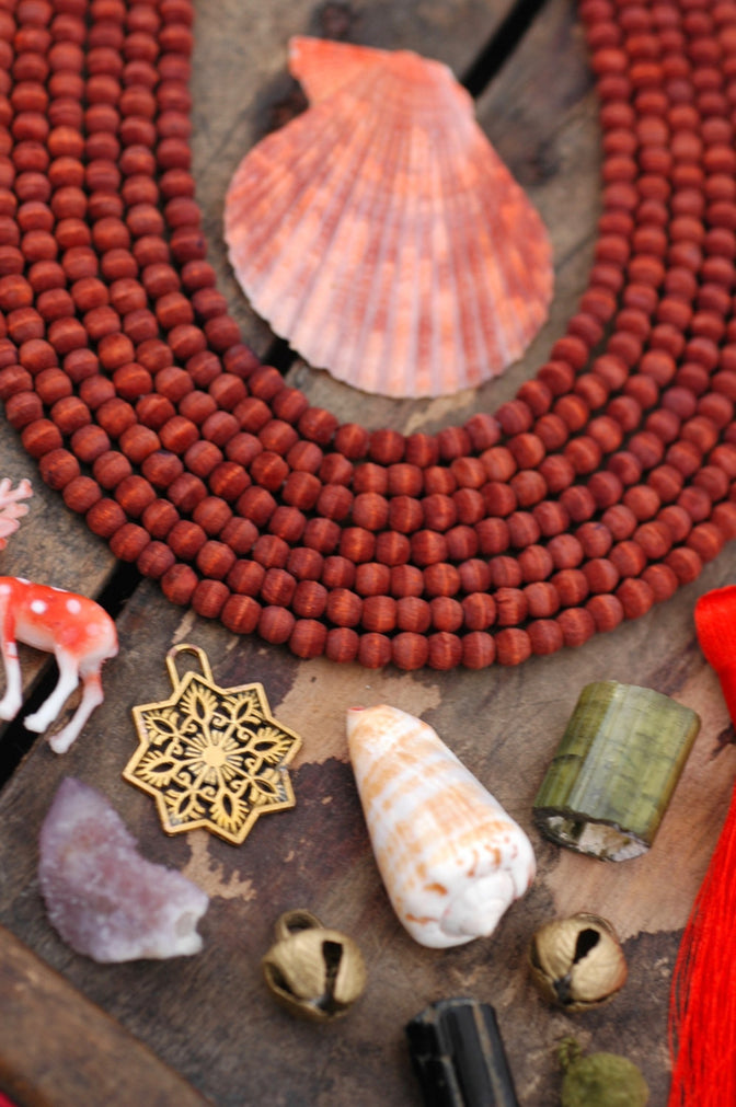 Rusted Rouge: Olive Hand Cut Round Wood, 5.5mm, 70 pieces