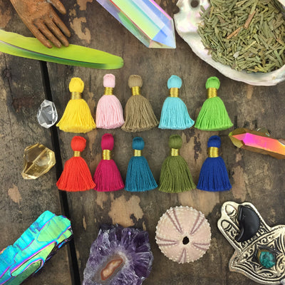"2017 Pantone Tassel Mix, 1.25"" Cotton Fringe w/ Gold Binding, 10 Piece"