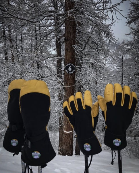 free the powder gloves in snow Italy