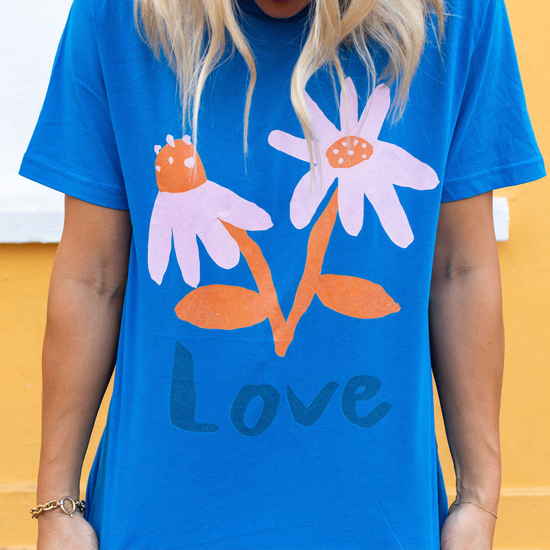 LOVE T-shirt by Emma Make
