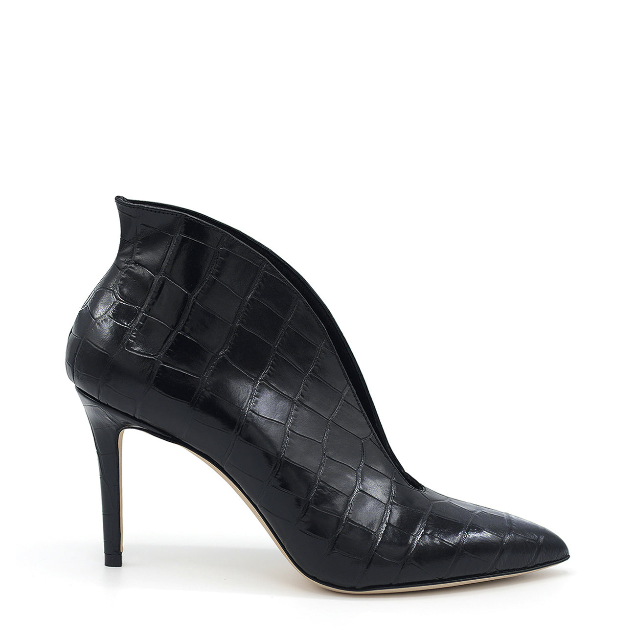 Doroty. <br> Black crocodile embossed calf leather pumps
