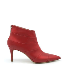 Load image into Gallery viewer, Gessy. <br> Red calfskin ankle boots