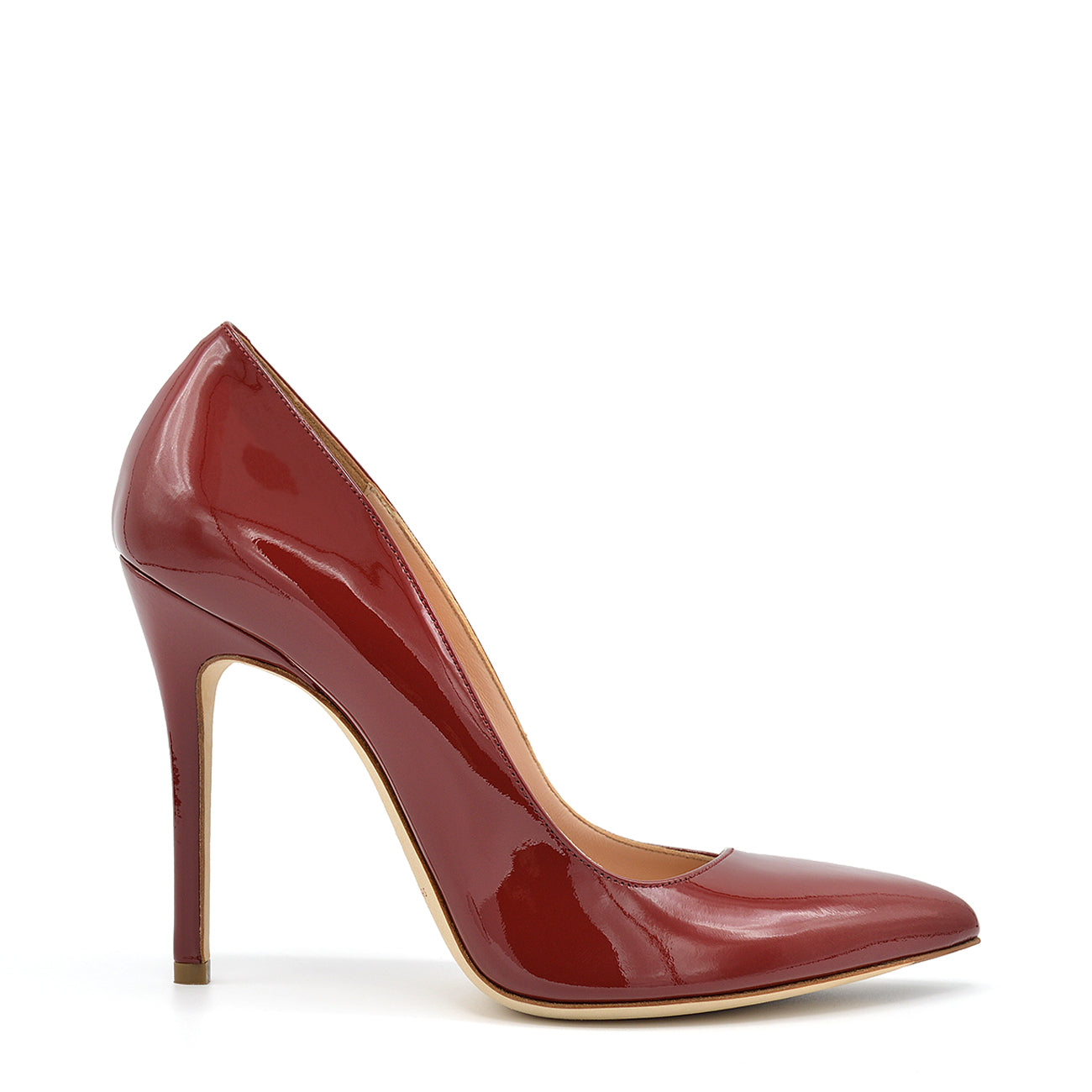 Kelly. <br> Passion red patent leather pumps