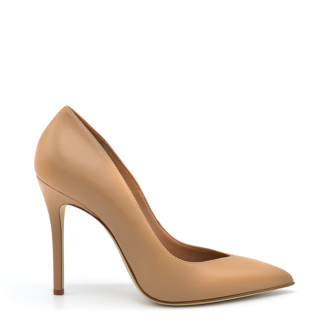 Lexy. <br> Croissant beige nappa leather pumps